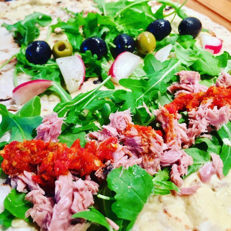 Tuniakovo-olivový chilli wrap z lavaša