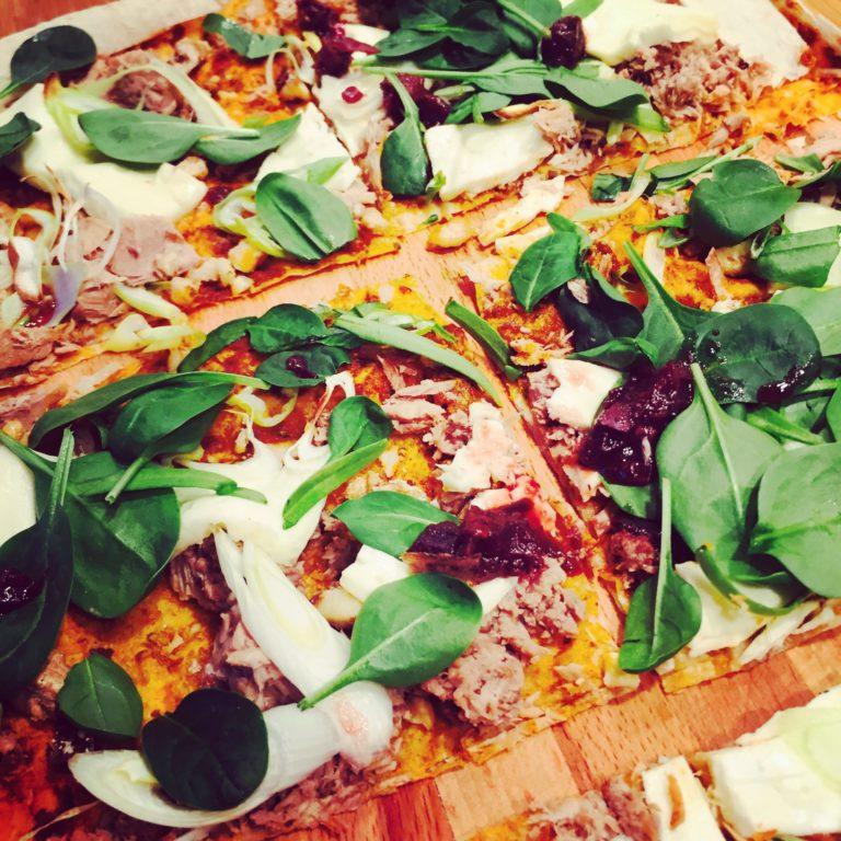 pizza-s-tuniakom-a-balkanskym-syrom-lavas-sk