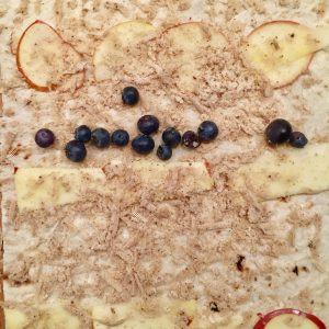 Jablkovo škoricová Štrúdľa s gaštanovým pyré a čučoriedkami IMG_9440