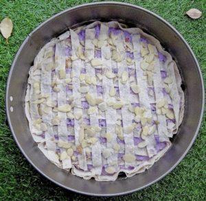 Mriežkovaný koláč s lesnými čučoriedkami