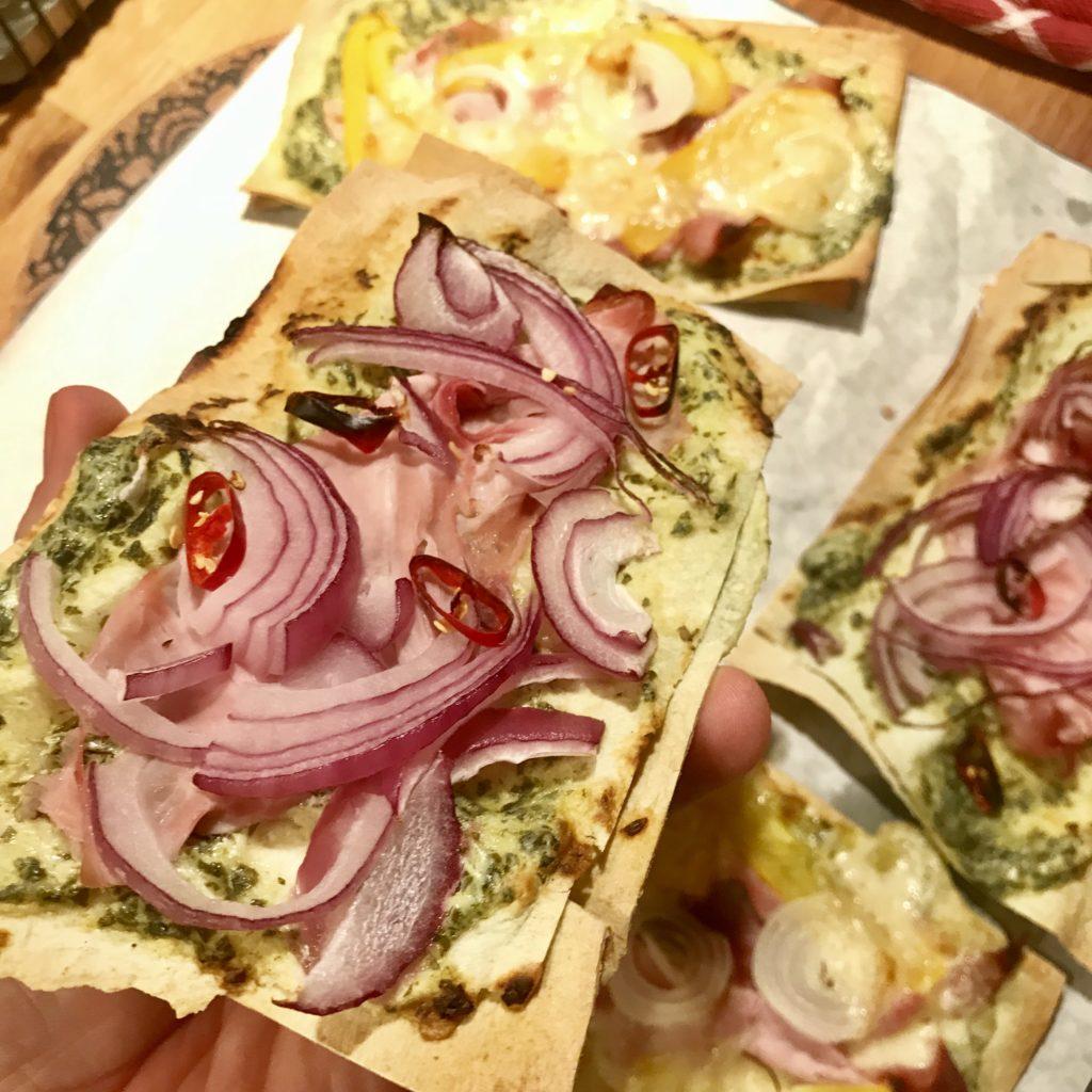 Pizza kúsky s pestom