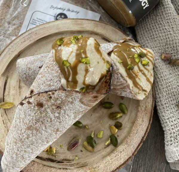 Bezlepkový chlieb lavaš - škoricovo datľový.